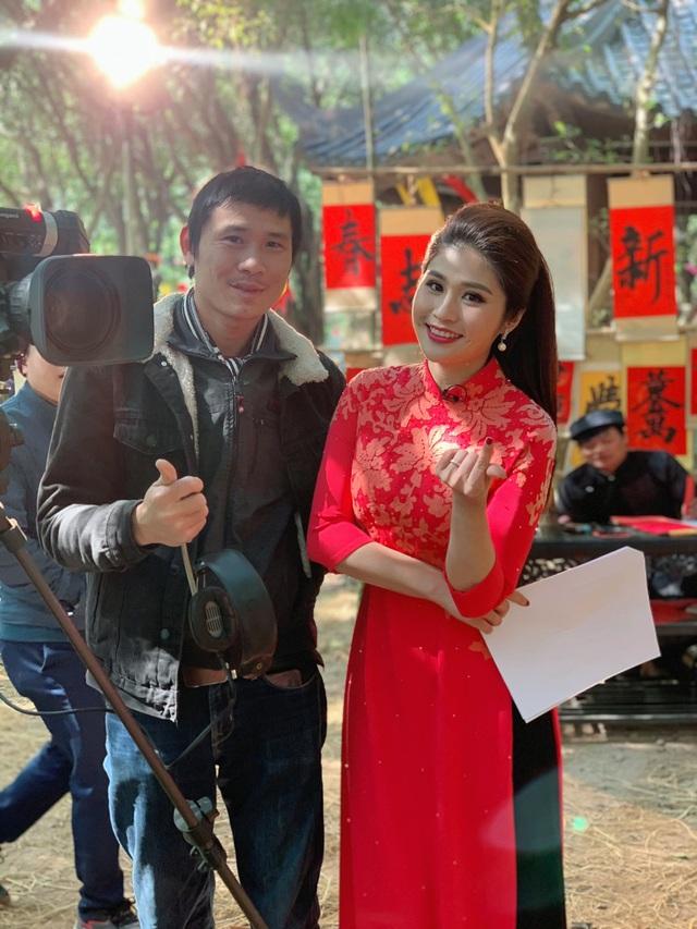 BTV Minh Trang rạng rỡ đón Xuân sớm trong Chiều cuối năm - Ảnh 4.