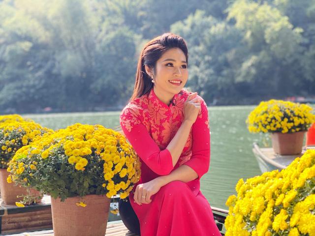 BTV Minh Trang rạng rỡ đón Xuân sớm trong Chiều cuối năm - Ảnh 6.