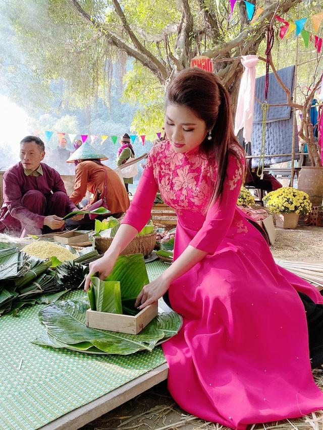 BTV Minh Trang rạng rỡ đón Xuân sớm trong Chiều cuối năm - Ảnh 11.