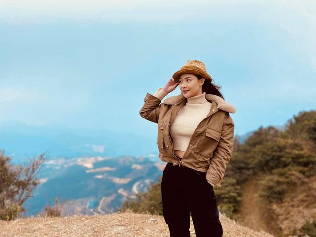 Hướng dương ngược nắng: Xuất hiện nhân vật nữ xinh đẹp hao hao giống Minh - Ảnh 11.