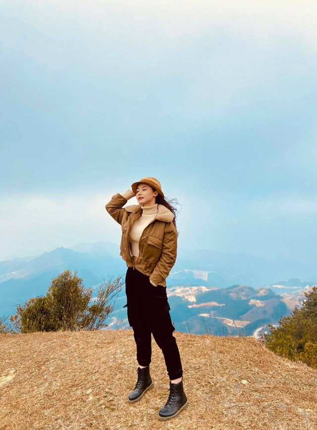 Hướng dương ngược nắng: Xuất hiện nhân vật nữ xinh đẹp hao hao giống Minh - Ảnh 10.
