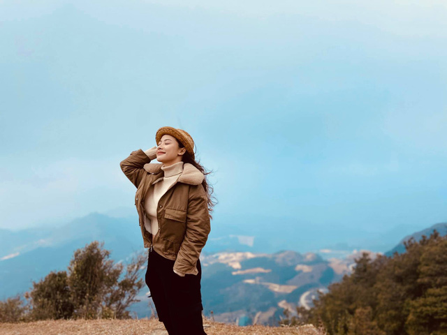 Hướng dương ngược nắng: Xuất hiện nhân vật nữ xinh đẹp hao hao giống Minh - Ảnh 9.