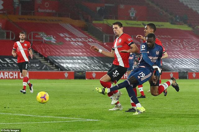 Vòng 20 Ngoại hạng Anh: Saka tỏa sáng, Arsenal ngược dòng ngoạn mục trước Southampton - Ảnh 2.