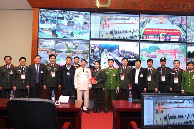 Kiểm tra công tác bảo đảm an ninh trật tự cho Đại hội XIII của Đảng - Ảnh 2.