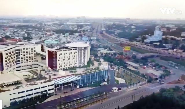 Hàng loạt bệnh viện mới được xây dựng, nỗi ám ảnh quá tải bệnh nhân sẽ không còn - Ảnh 1.