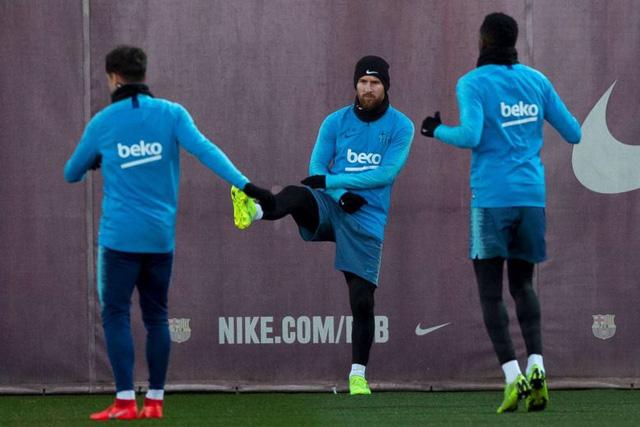 Barcelona đứng trước nguy cơ vỡ nợ vì rủi ro tài chính - Ảnh 1.