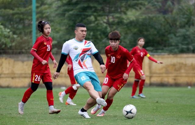 Giao hữu: ĐT nữ Việt Nam trút cơn mưa bàn thắng vào lưới cựu cầu thủ Hà Nội - Ảnh 2.