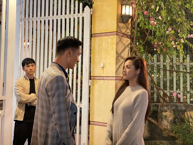Thu Quỳnh khoe ảnh sánh đôi với Mạnh Trường trong phim mới - Ảnh 4.