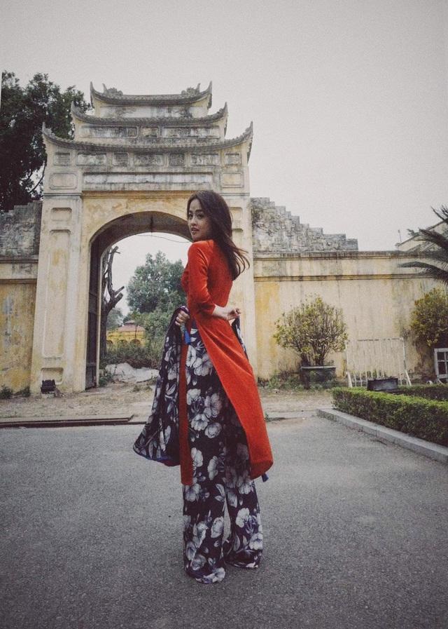 MC Minh Hằng khoe bộ ảnh áo dài Tết với góc máy độc lạ - Ảnh 5.