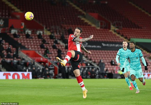 HLV Southampton bật khóc sau chiến thắng trước Liverpool - Ảnh 1.