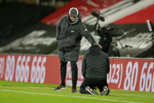 HLV Southampton bật khóc sau chiến thắng trước Liverpool - Ảnh 3.
