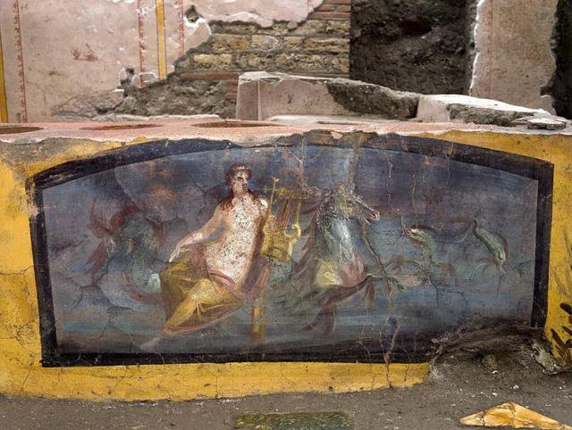 Phát hiện quầy bar cổ đại gần 2000 năm tuổi - ảnh 1