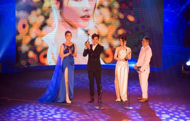 Đỗ Thị Hà đọ sắc cùng dàn Hoa hậu đàn chị tại Ngôi Sao Xanh - Ảnh 5.