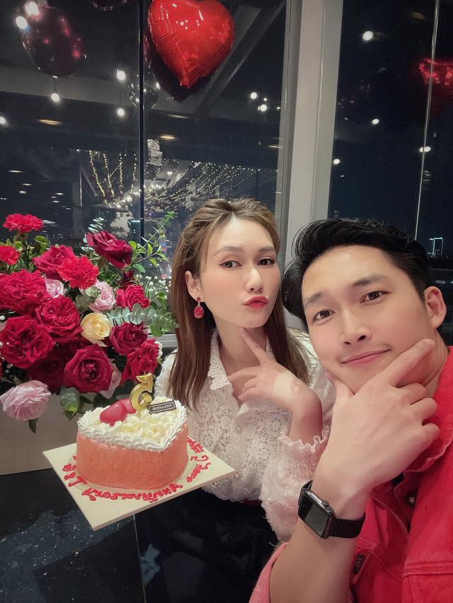 Diễn viên Đình Tú kỷ niệm 5 năm tình yêu với bạn gái hơn tuổi - Ảnh 2.