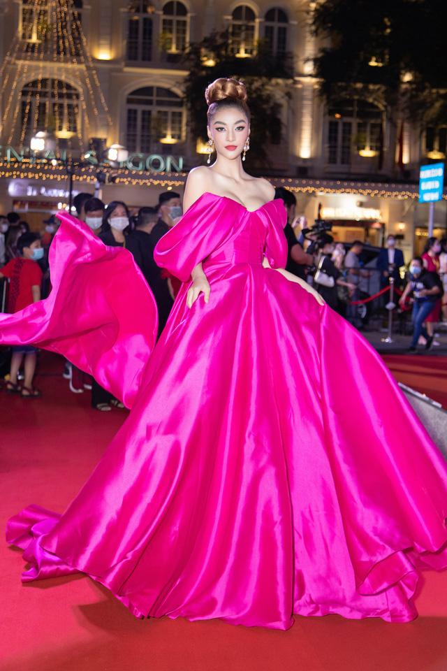 Đỗ Thị Hà đọ sắc cùng dàn Hoa hậu đàn chị tại Ngôi Sao Xanh - Ảnh 9.