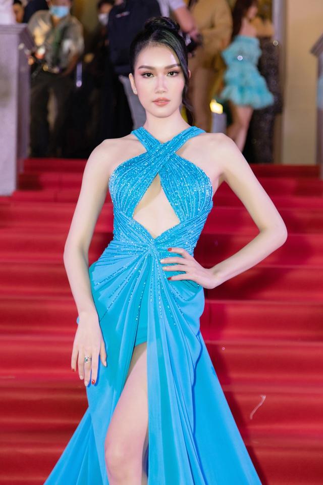 Đỗ Thị Hà đọ sắc cùng dàn Hoa hậu đàn chị tại Ngôi Sao Xanh - Ảnh 11.