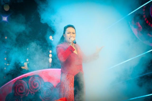 Đón Tết cùng VTV 2021: Khánh Linh hứa hẹn mang đến màn trình diễn độc đáo  - Ảnh 7.
