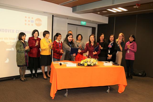 Quỹ Dân số Liên Hợp quốc hỗ trợ Việt Nam vật tư và thiết bị y tế chăm sóc sức khỏe sinh sản - Ảnh 1.