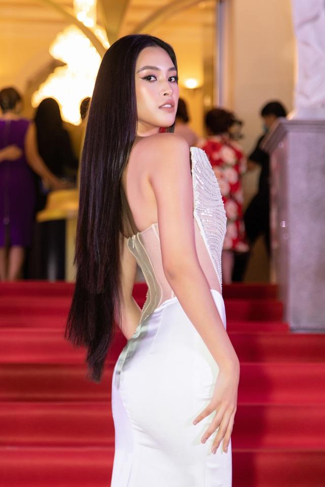 Đỗ Thị Hà đọ sắc cùng dàn Hoa hậu đàn chị tại Ngôi Sao Xanh - Ảnh 2.