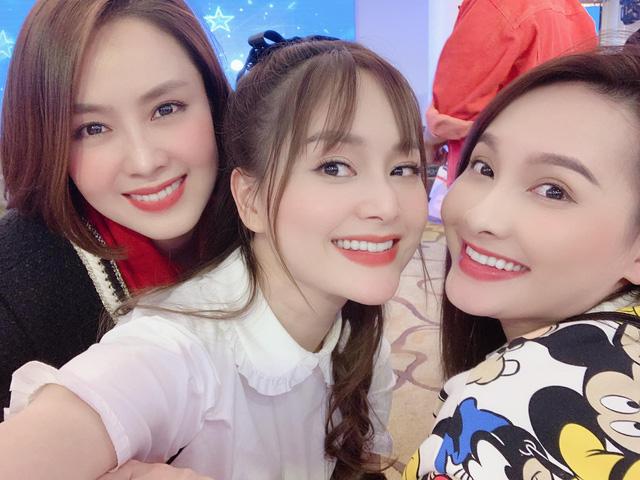Hồng Diễm, Bảo Thanh và loạt nữ diễn viên xinh đẹp bất ngờ tụ họp - Ảnh 9.