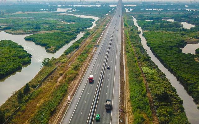 Quảng Ninh sẽ có tuyến cao tốc xuyên tỉnh dài nhất Việt Nam - Ảnh 1.