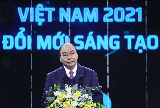 Thủ tướng Nguyễn Xuân Phúc: Không đổi mới sáng tạo sẽ mắc kẹt trong hố năng suất thấp - Ảnh 2.
