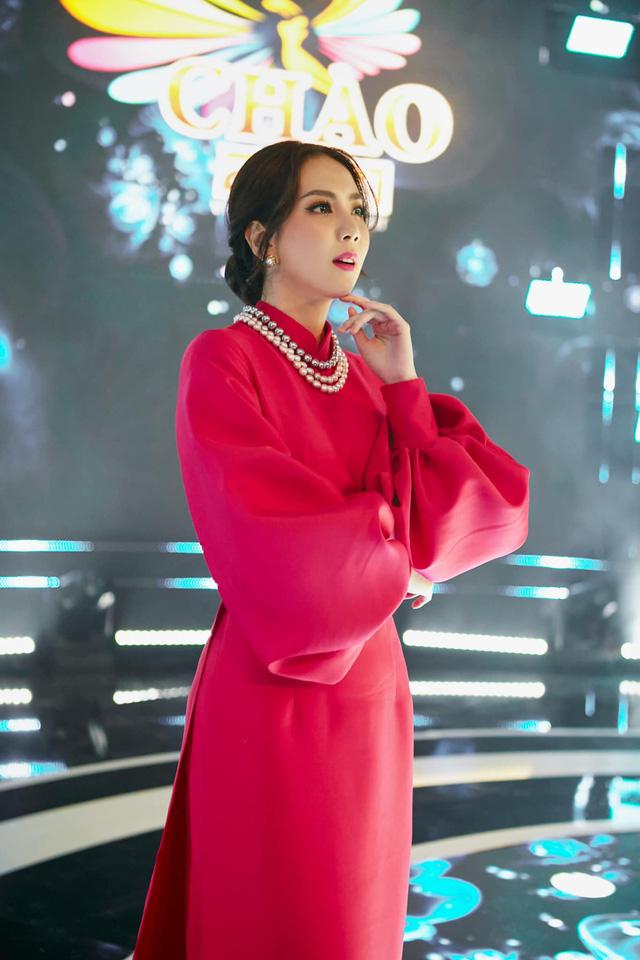 BST hồng chói lọi kén người mặc của BTV Mai Ngọc - ảnh 12
