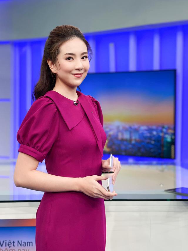 BST hồng chói lọi kén người mặc của BTV Mai Ngọc - ảnh 8