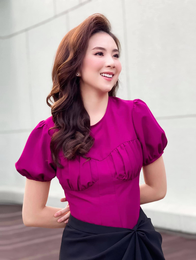BST hồng chói lọi kén người mặc của BTV Mai Ngọc - ảnh 5
