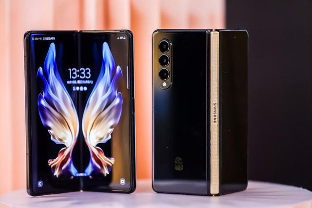 Samsung W22 5G - phiên bản Galaxy Z Fold3 dành riêng cho thị trường Trung Quốc - ảnh 2