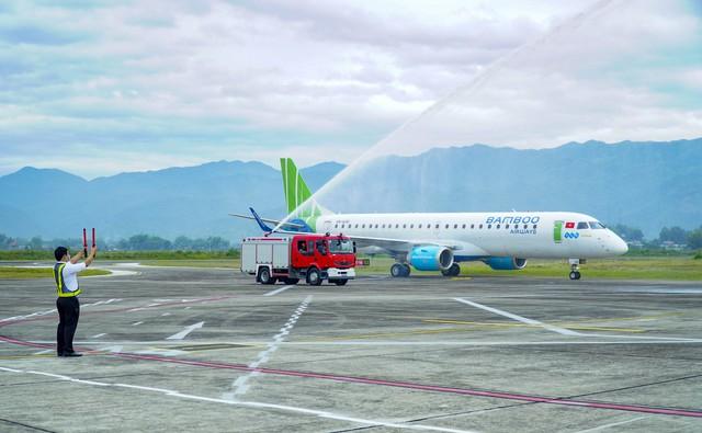 Khai trương đường bay Hà Nội - Điện Biên bằng máy bay phản lực - ảnh 1