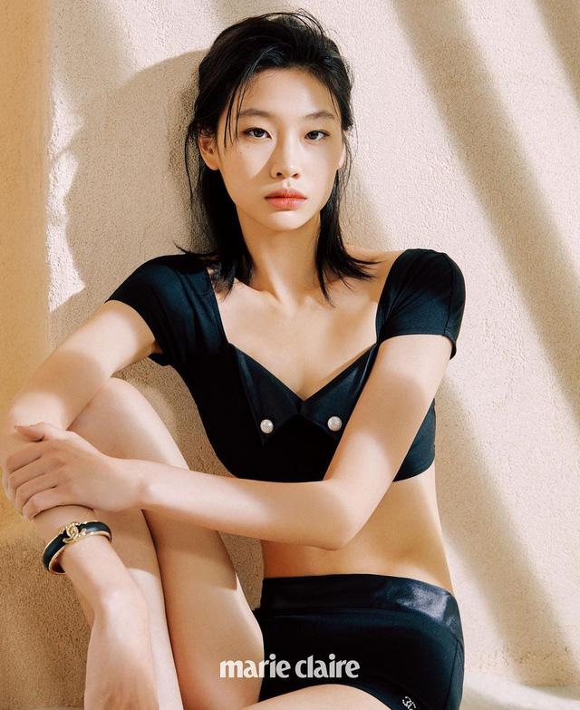 Hậu Squid Game, nữ chính Jung Ho Yeon bùng nổ trên mạng xã hội - Ảnh 2.