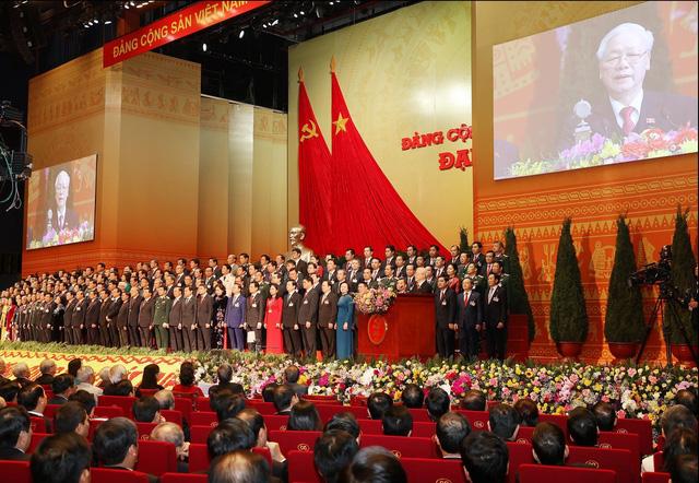 200 Ủy viên Ban Chấp hành Trung ương Đảng khóa XIII ra mắt Đại hội - Ảnh 6.