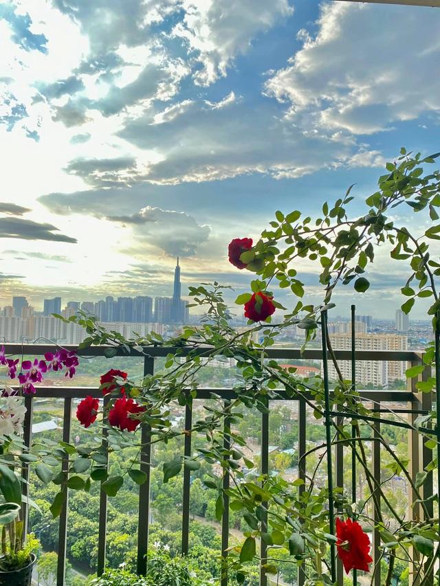 Căn hộ vừa đẹp vừa sang của Hồng Loan sáng bừng vì hoa dịp Tết - Ảnh 8.