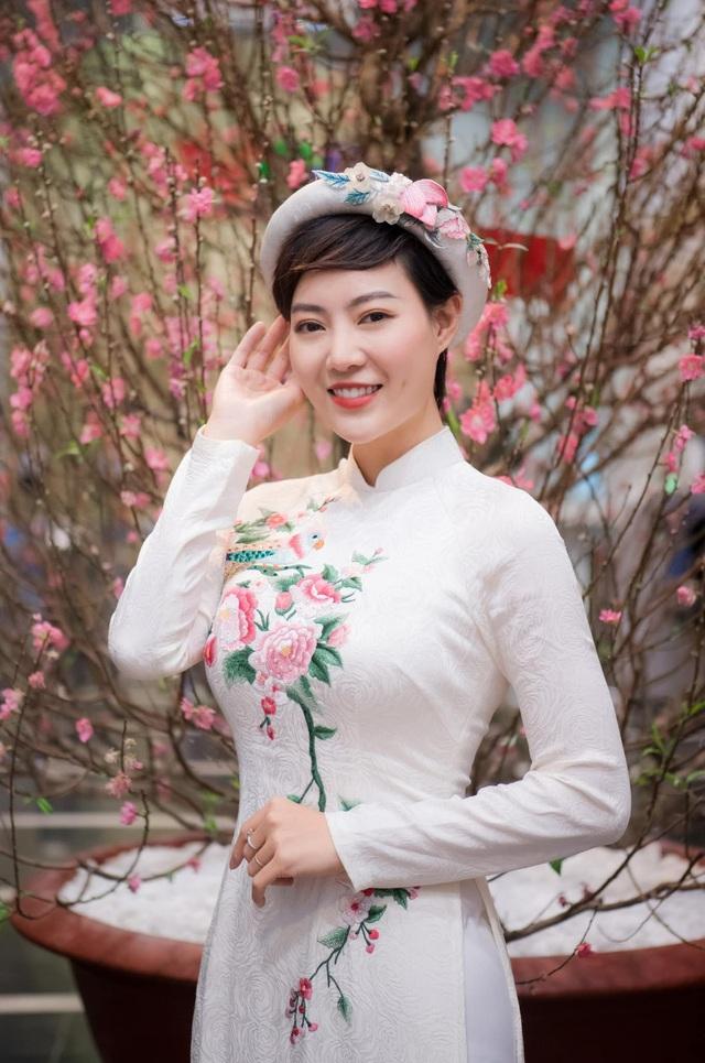 Diện áo dài đón Xuân, dàn nữ diễn viên Việt ai xinh hơn ai? - Ảnh 5.