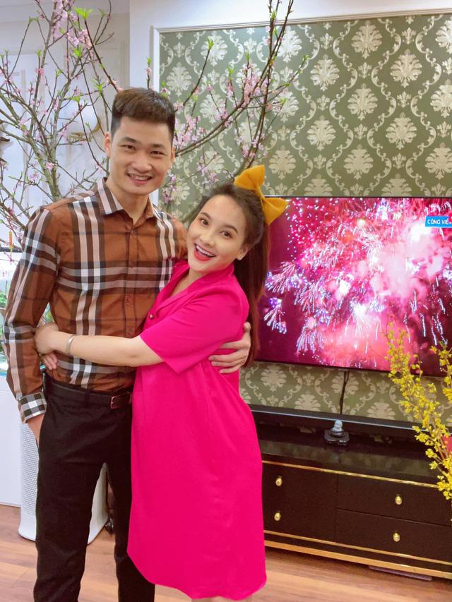 Bảo Thanh, Phương Oanh và dàn diễn viên xinh đẹp đồng loạt khoe ảnh bên gia đình ngày Tết - Ảnh 4.