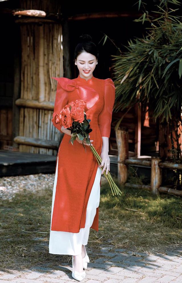 Bảo Thanh, Phương Oanh và dàn diễn viên xinh đẹp đồng loạt khoe ảnh bên gia đình ngày Tết - Ảnh 12.