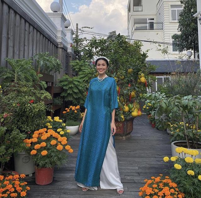 Hà Hồ khoe ảnh Tết siêu đáng yêu của gia đình, Hà Tăng truyền thống với áo dài hồng - Ảnh 6.