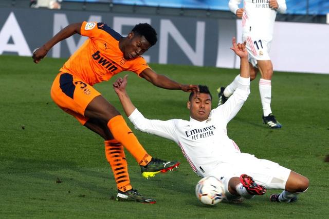 Real Madrid thắng thuyết phục Valencia, vươn lên ngôi nhì bảng La Liga - Ảnh 4.