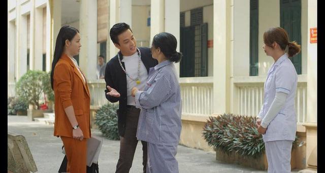 Hướng dương ngược nắng - Tập 28: Kiên rủ Châu đến thăm người mẹ điên, cuối cùng Minh lại thành con dâu - ảnh 3