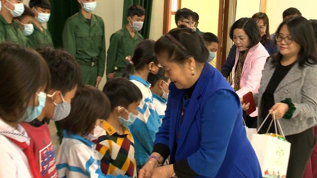 Món quà đầu xuân cho hơn 1.000 người dân khó khăn tại tỉnh Ninh Bình - Ảnh 12.