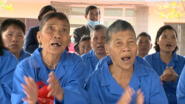 Món quà đầu xuân cho hơn 1.000 người dân khó khăn tại tỉnh Ninh Bình - Ảnh 10.