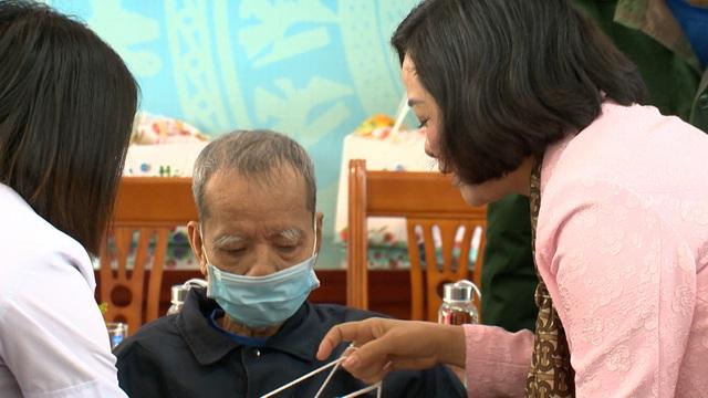 Món quà đầu xuân cho hơn 1.000 người dân khó khăn tại tỉnh Ninh Bình - Ảnh 7.