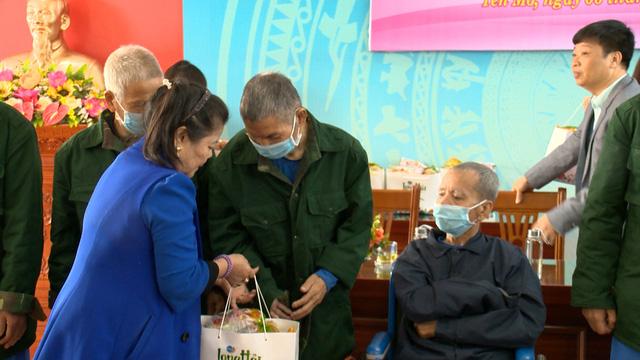 Món quà đầu xuân cho hơn 1.000 người dân khó khăn tại tỉnh Ninh Bình - Ảnh 6.