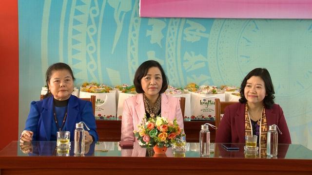 Món quà đầu xuân cho hơn 1.000 người dân khó khăn tại tỉnh Ninh Bình - Ảnh 4.