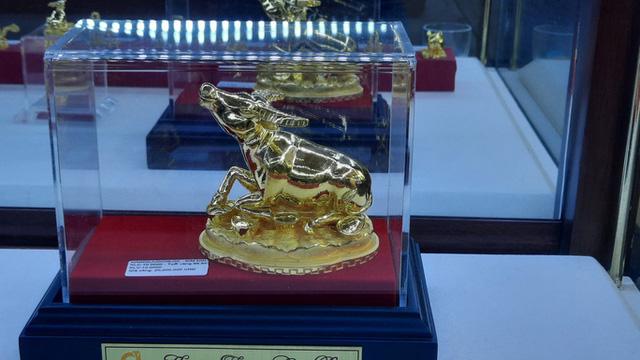 Trước ngày Thần Tài, trâu vàng 9999 tràn ngập thị trường - Ảnh 2.