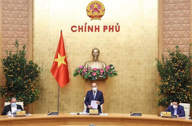 Thủ tướng: Không để tháng Giêng là tháng ăn chơi, vừa chống dịch vừa thực hiện Nghị quyết Đại hội XIII của Đảng - Ảnh 2.