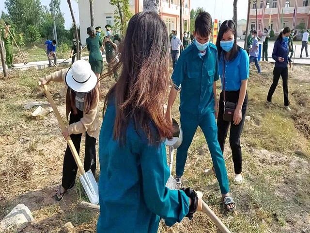 Kiên Giang: Khởi động trồng 200.000 cây ven biển chống xói lở - Ảnh 2.