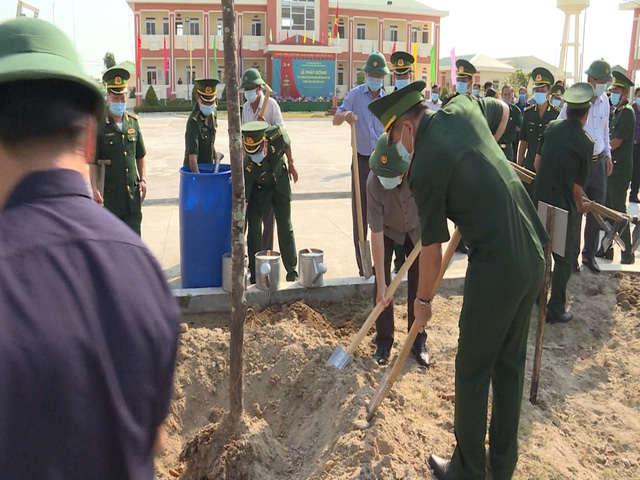 Kiên Giang: Khởi động trồng 200.000 cây ven biển chống xói lở - Ảnh 1.