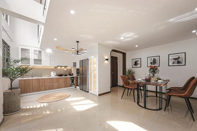 Ngôi nhà có không gian resort trên sân thượng - Ảnh 1.